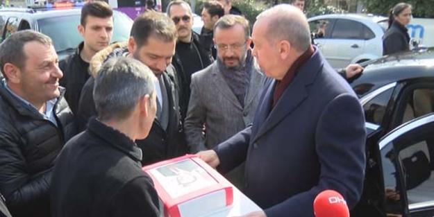 Vatandaşlardan Başkan Erdoğan'a doğum günü sürprizi