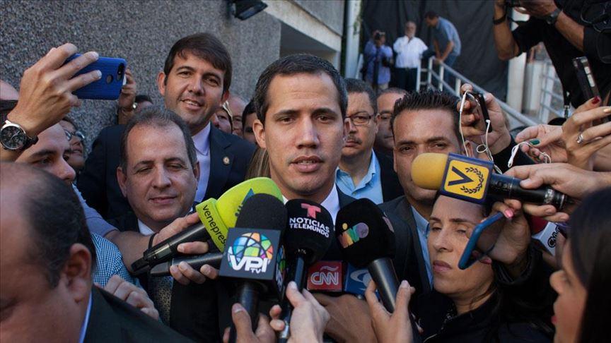 Venezuela'da Guaido ve beraberindeki muhalif parlamenterler Ulusal Meclis'e girdi