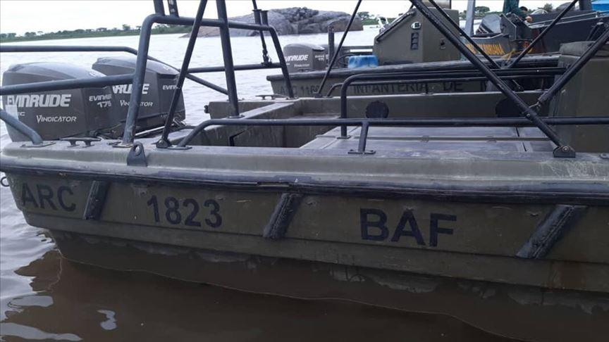 Venezuela'da Kolombiya Deniz Kuvvetleri sembollü 3 savaş botu ele geçirildi
