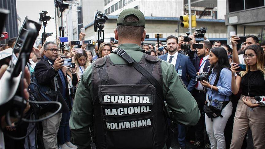 Venezuela'da muhalif meclisin başkanı Parra oldu