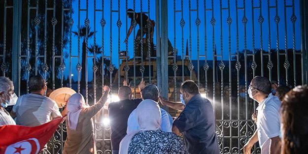 Verilen o mesajda ortaya çıktı! İşte Tunus'taki darbenin arkasındaki o ülke