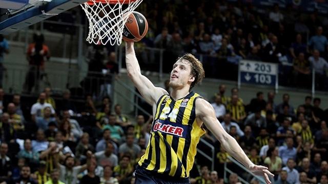 Vesely Fenerbahçe'de kaldı