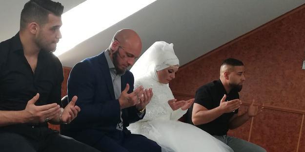 Geçtiğimiz haftalarda Müslüman olmuştu... Dünyaca ünlü sporcunun nişanlısı da İslam'ı seçti