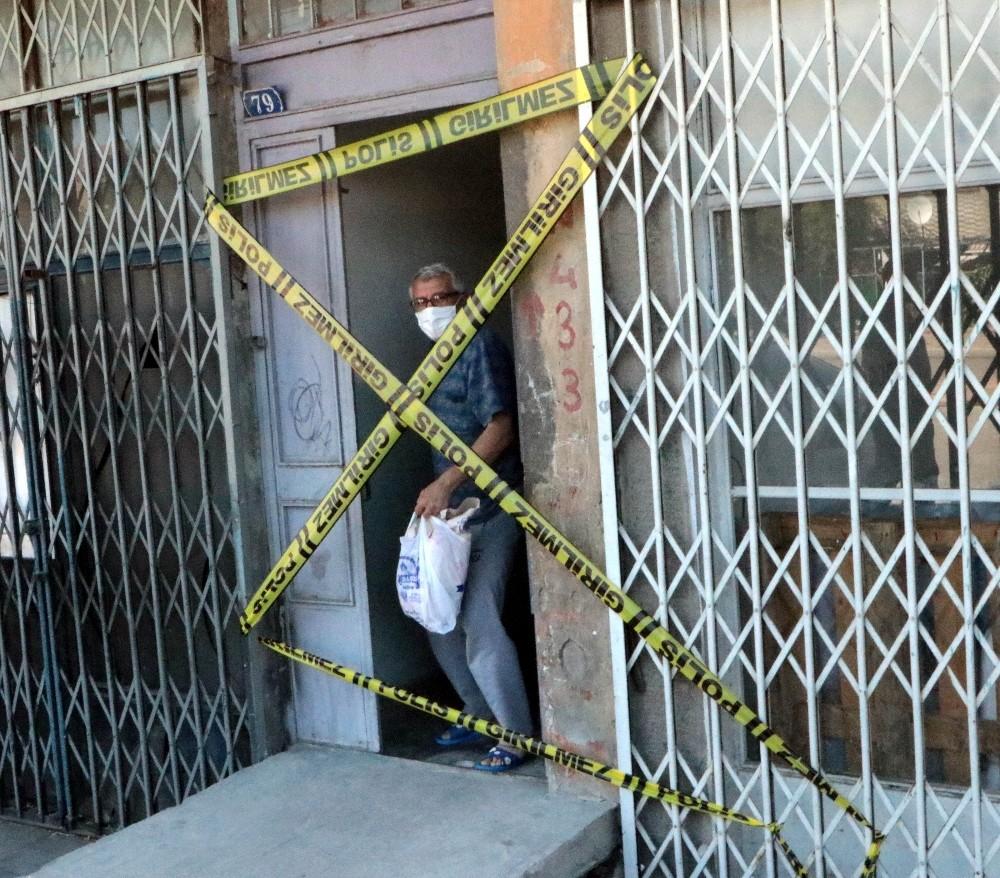 Yabancı uyruklu şahsın testi pozitif çıktı, 3 apartman karantinaya alındı