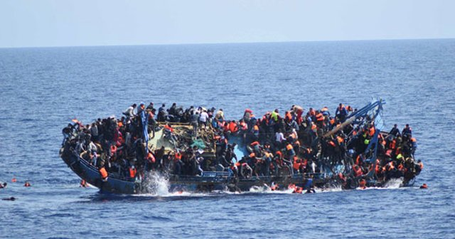 Yaklaşık 500 kaçak göçmen son anda kurtarıldı