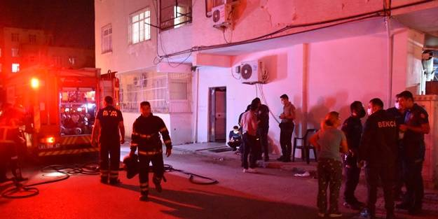 Yangın çıkan evde mahsur kalan kişi kurtarıldı
