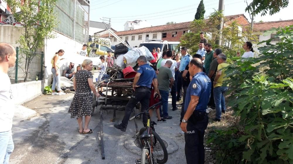 Yaralı atı sahibinin elinden izne gelen JÖH personeli kurtardı