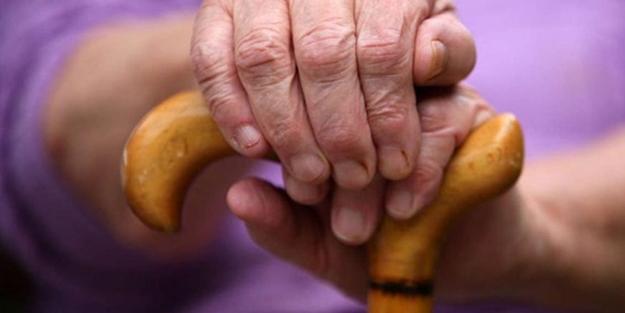 Yaşlanmayı önlemek mümkün mü? Yaşlanma karşıtı besinler nelerdir?