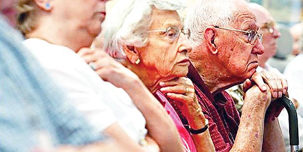 Yaşlıları ölüme terk ettiler