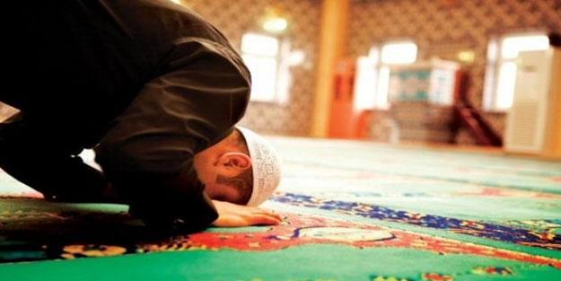 Yatsı namazı nasıl kılınır? Yatsı namazında sırasıyla hangi dualar okunur?