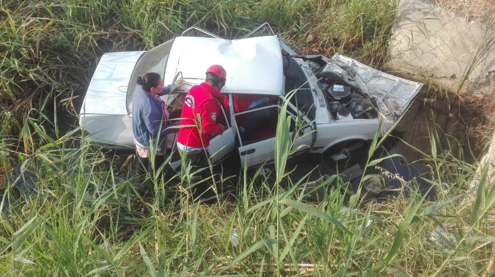 Yayalara çarpan otomobil şarampole uçtu: 6 yaralı
