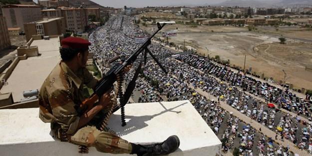 Yemenli askerler Suudi komutanlara karşı ayaklandı