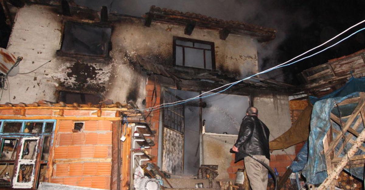 Protez bacağı eviyle birlikte yandı