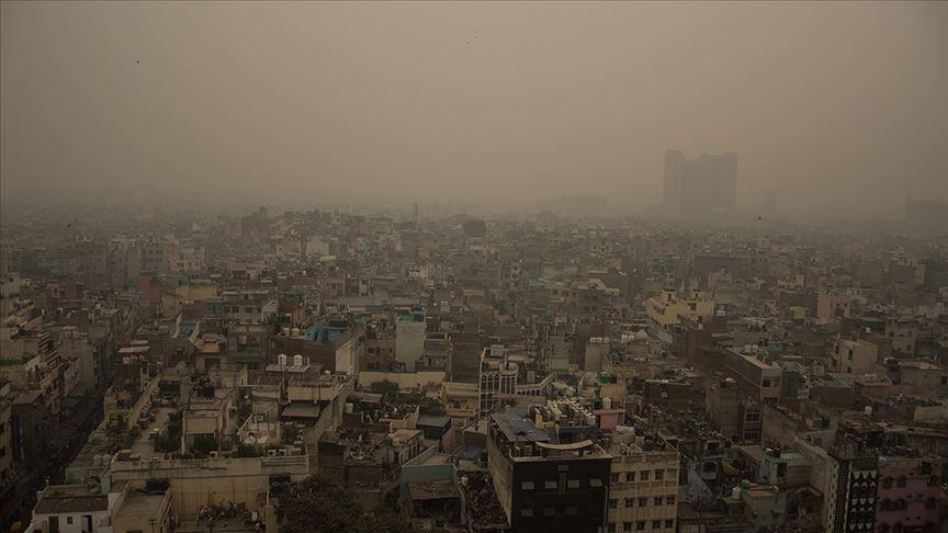 Yeni Delhi'de hava kirliliğine plaka önlemi
