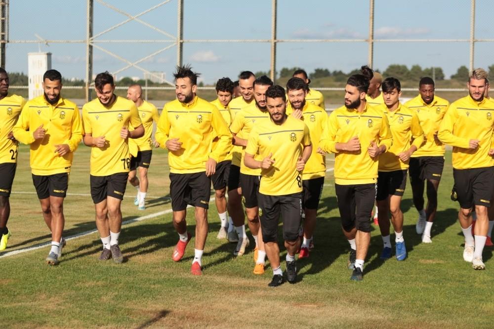 Yeni Malatyaspor Partizan maçı kadrosunu UEFA'ya bildirdi