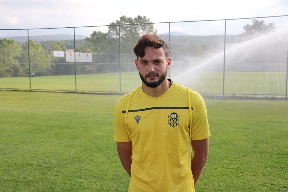 Yeni Malatyaspor'un genç transferi Özdemir, Bolu kampına katıldı