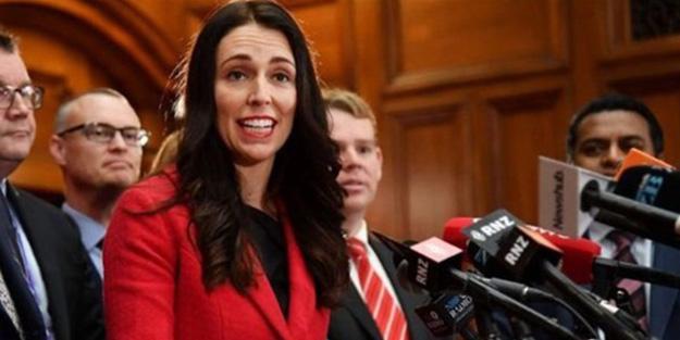 Yeni Zelanda liderinden yasağa uymayanlara tepki: Aptallar