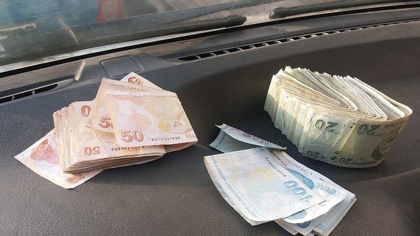 yıkamaya verilen yorganın içinden para çıktıPara #17