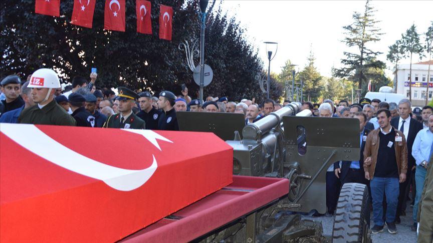 Yıldırım düşmesi sonucu şehit olan askerin cenazesi defnedildi