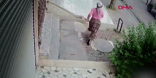 Yok böyle hırsızlık! At arabası ile gelen kadınlar rögar kapaklarını çaldı