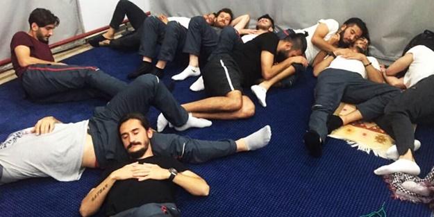 Yönetim cezalandırdı: Futbolcular mescidde yattı!