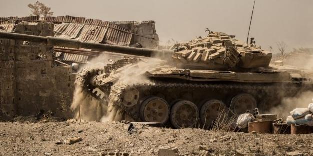 YPG'liler kaçtı, ÖSO paçavraları yaktı