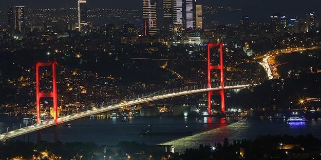 Yük gemisi İstanbul Boğazı'nda arıza yaptı