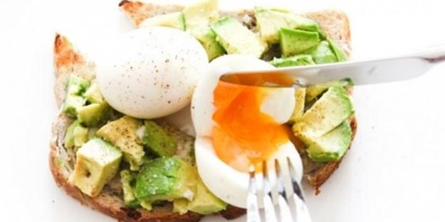 Yumurtayı çiğ sebzelerle tüketin
