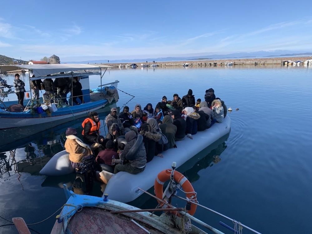 Yunan adalarında mültecilerin kıyıya çıkmasına izin verilmiyor