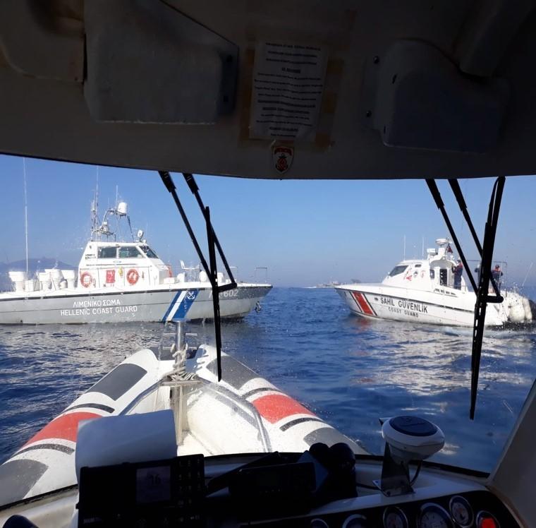 Yunan botu ihlal ettiği Türk karasularından sürülerek çıkarıldı