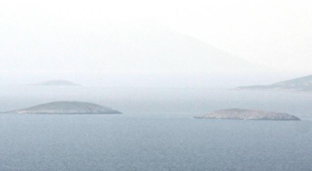 Yunan güçleri Kardak kayalıklarına yaklaşamıyor