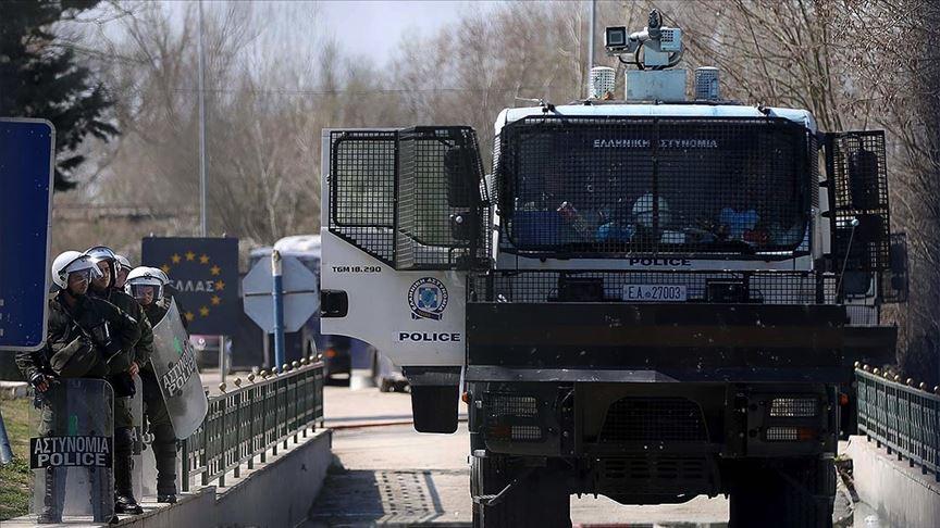 Yunan polisi Kovid-19 salgınından faydalanarak sığınmacıları zorla Türkiye'ye gönderiyor