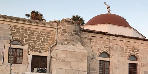 'Yunanistan, camileri çürümeye terk etti'