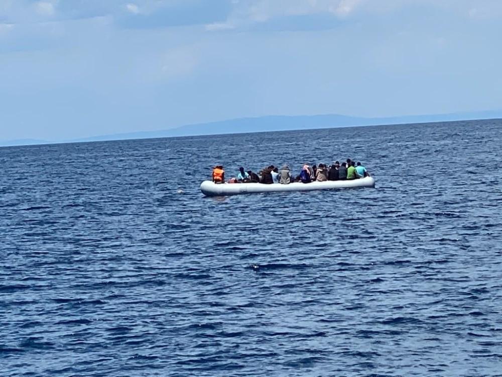 Yunanistan düzensiz göçmenleri ölüme terk etti