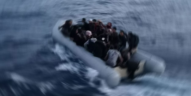 Yunanistan itti! 50 düzensiz göçmen daha kurtarıldı