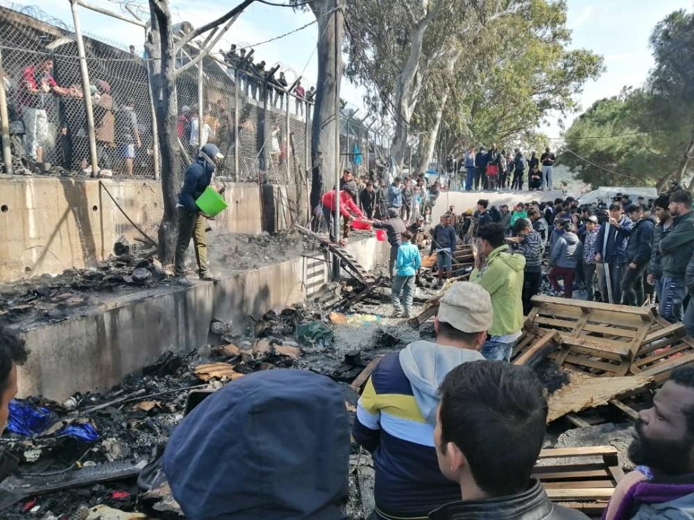 Yunanistan'da göçmen kampında yangın: 4 ölü, 1 yaralı