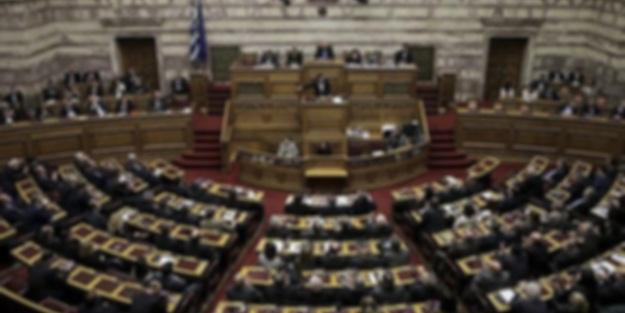 Yunanistan'da istifa! Miçotakis kabul etti