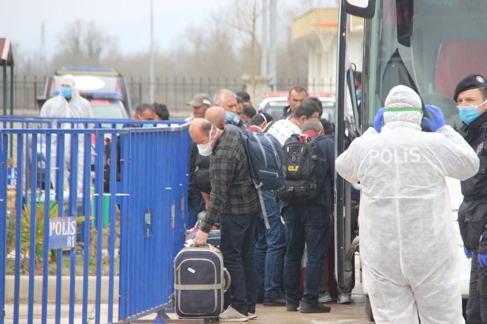 Yurt dışından gelen 280 kişi Düzce'de yurda yerleştirildi