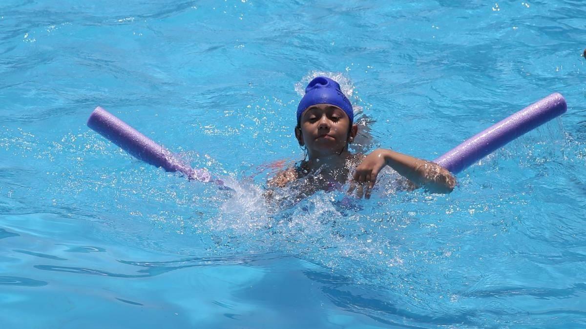 Yüzme kurslarına büyük ilgi! Güneydoğu'da 'güvenli kulaç'