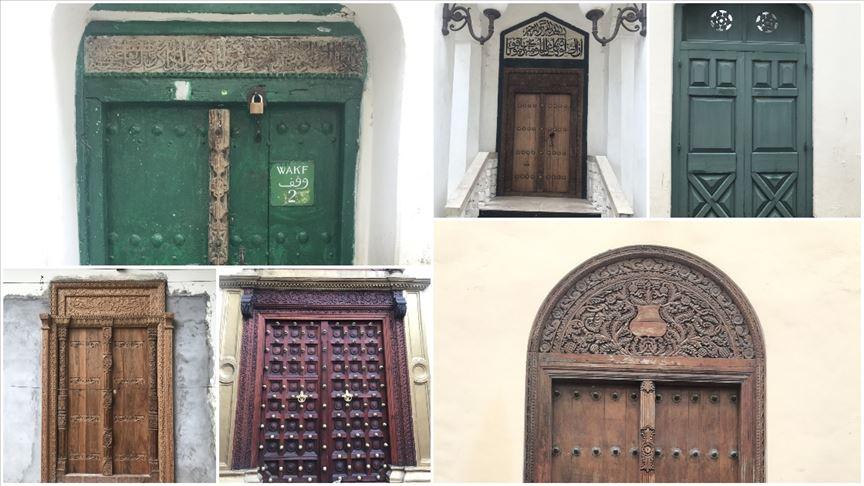 Zanzibar'ın ev sahibinin hikayesini anlatan ahşap kapıları
