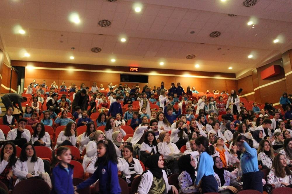 Zeytinburnulu öğrencilere geri dönüşüm semineri verildi