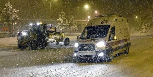 Zigana Dağı'nda kar ulaşımı engelledi