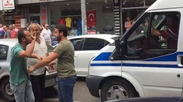 ZONGULDAK'TA AMBULANSA YOL VERMEME TEPKİSİ