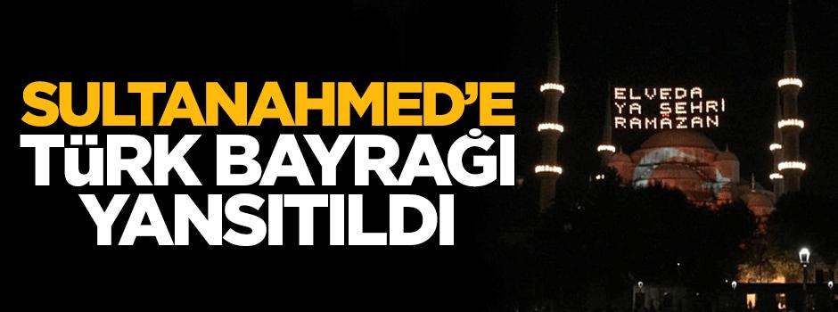 Sultanahmed Camii'nde Türk bayrağı detayı