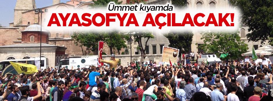 �mmet Ayasofya Camii i�in k�yamda
