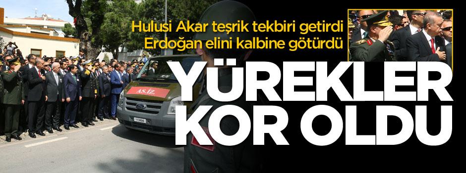 Erdoğan elini kalbine götürdü, Akar teşrik tekbiri getirdi