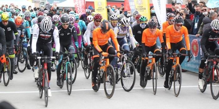 1963 yılından bu yana geleneksel olarak düzen Cumhurbaşkanlığı Bisiklet Turu Konya'da start aldı