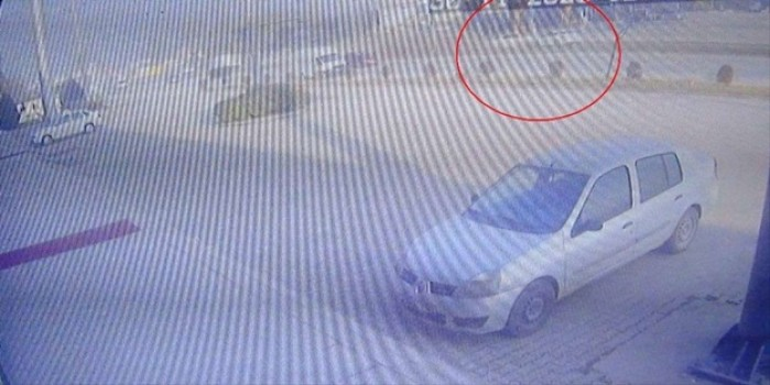 2 kişinin öldüğü 3 kişinin yaralandığı feci kaza saniye saniye kameralarda