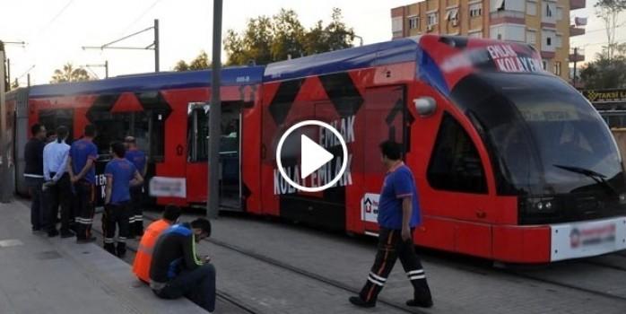Antalya'da tramvay raydan çıktı