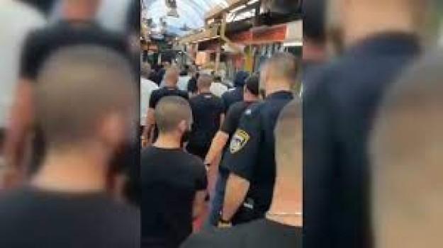 Aşırı sağcı Yahudiler, Batı Kudüs'te bir halk pazarında